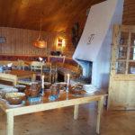 Frukost på Helags fjällstation