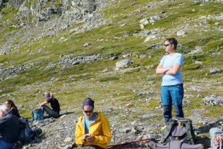 Paus efter första stigninen från Gjendesheim turisthytte.