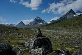 Berget Kyrkja i horisonten i Visdalen.
